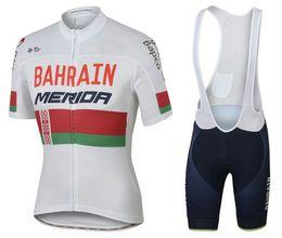 Ciclismo camisa de mérida en Línea-2017 El más nuevo MERIDA que completa un ciclo los hombres de Jersey pone en cortocircuito las camisas de ciclo del desgaste de la bici de la ropa de la bicicleta de la manga al aire libre Maillot Ropa Ciclismo Mtb