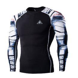 2017 capas base Venta al por mayor- hombres MMA compresión camisas Rashguard aptitud mangas largas de la capa de la piel apretada peso levantar hombres camisetas 22 capas base limpiar