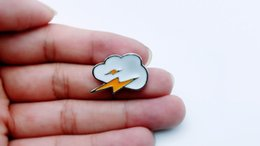 20pcs fashion lightning cloud, brooch accessories, provide production.Used for cowboy coats, hats and other decorative brooches