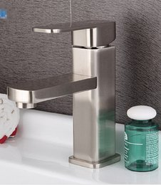 Wholesale Brushed Faucet Modern Box Bathroom Sink Faucets Accessory Vintage One handle lavatory faucet Ceramic Hot cold water Mixer tap washbasin