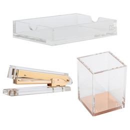 3pcs / setClear Memo Pad Note Holder + Acrylique Gold Pencil / Pen Cup Holder + Acrylic Stapler kit de bureau pour mobile Iphone note pencil promotion à partir de note crayon fournisseurs