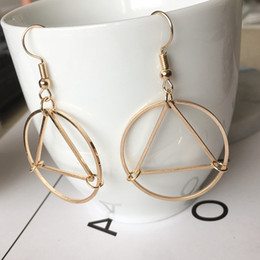 Minimalism hollowed out triangle circle geometric modeling ear studs earrings wholesale hot hot selling triange circle earrings 8860018N