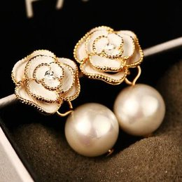 European Flower Earrings Classic Pearl Earrings for Women Party Wedding Jewelry Fashion Drop Dangle Earrings