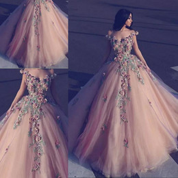 2018 Beaded Flowers Ball Gown Arabic Evening Dresses Full Length Off-Shoulder Formal Party Gown 3D Floral Appliqued Tulle Evening Prom Gowns