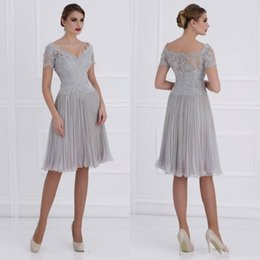 Knee Lenth Ruched Chiffon Mother Of The Bride Dresses 2019 V Neck Lace Short Sleeves Siler Wedding Guest Party Gowns