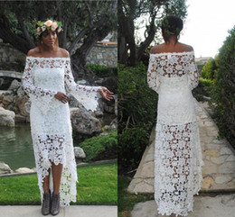 Country Style High-Low Lace Boho Wedding Dresses A-Line Off Shoulder Vintage Sheer Long Sleeves Bridal Dress Zipper Back Beach Wedding Gowns