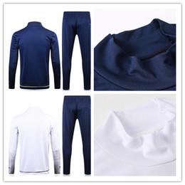 2018 home Soccer Jersey 17 18 DYBALA Soccer Shirt Customized MARCHISIO MANDZUKIC HIGUAIN football uniform Sales DYBALA training clothes