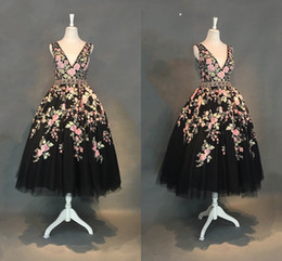 Fashion Floral Flowers Tea Length Evening Dresses Formal Gowns Cheap V neck Tulle Ball Gowns Backless Beaded Sequins Short Prom Party Dress