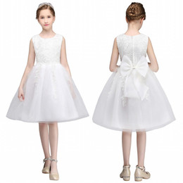 Cute Sleeveless Flowers Girls Dresses Bow Appliques Embellishment for First Communion Lace Ball Gown Kids Formal Wears mc0681