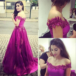 2018 Fuchsia Off Shoulder Pearls Beading Prom Dresses Ball Gown Applique Satin Long Sleeveless Formal Evening Gowns