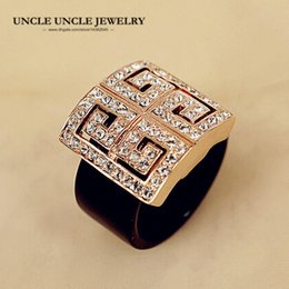 Brand Design Rose Gold Color Retro Rome Paved G Design Rhinestone Square Acrylic Lady Finger Ring Wholesale
