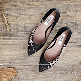 free shipping handmade gambiered Guangdong gauzewomenshoes simple European low heel chunky heel office lady party office factory
