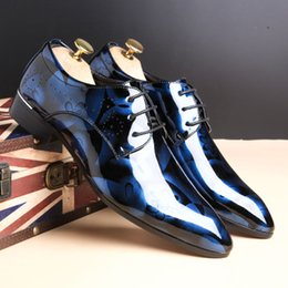 2018 new fashion men's shoes, super size British leather shoes, recommended by European and American stars.