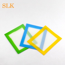 Cheap price 4.33*3.35 inch non stick silicone baking mat heat resistant Green Yellow dab mat dabber sheets jars dab tool vaporizer