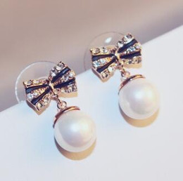 Crystal Butterfly Earrings for Women Red White Pearl Drop Dangle Earrings Charms Jewelry Fashion Accessories Gold Plated