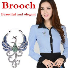 44*30 mm High-end crystal peacock brooches are decorated with high-end inlaid brooches