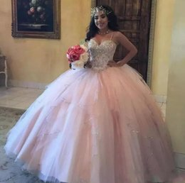 2018 Light Pink Ball Gowns Quinceanera Dresses Spaghetti Straps Lace Crystal Beaded Sequins Tiered Skirts Party Dress Sweet 15 Gowns