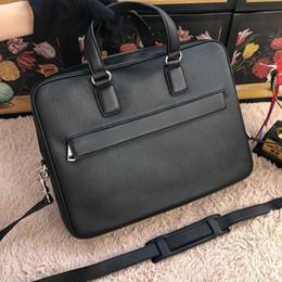 brand new 100% genuine leather men Briefcases famous designer business bag high quality man handbag 322057
