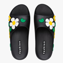 2017 Amoi Bohemian woman beach flat sandals summer sandals non-slip swim shoes platform sandals star models with free shipping