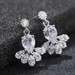 Vintage Crystal Bridal Earrings Long Silver Dangle Wedding Earrings Bridal Jewelry Cubic Zirconia Chandelier Earrings Bridal Accessories