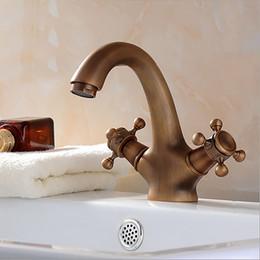 Luxury Vintage Retro Antique Brass Single Dual Handle Bathroom Sink Faucet Lavatory Faucet Basin Sink Faucet Contemporary