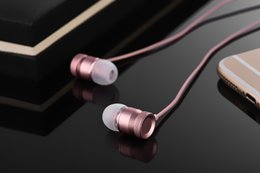 Metal Android IOS mobile phone earphone, ear heavy bass earphone, computer intelligent earplug, line control with microphone earphone.