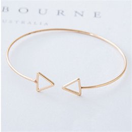 Korean version simple hollow geometry triangle bracelet gift small square open bracelet wholesale profit wholesale