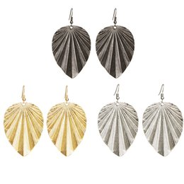 New Punk Jewelry Vintage Retro Big Leaf Dangle Drop Earrings For Women Fashion Band Tassel Statement Earring Silver Gold Black Color HZ