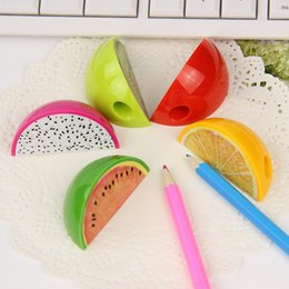 Cute Creative Fruit Plastic Pencil Sharpener Mini Pencil Sharpener School Supplies Plastic Cutter Knife free shipping 2018 new high quality