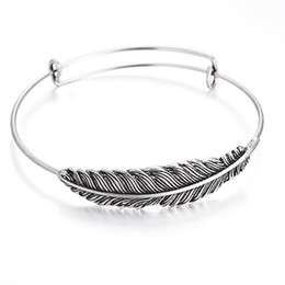 10 PCS fashion bracelet with feathers providing stainless steel toner, adjustable bracelets made from homemade jewelry