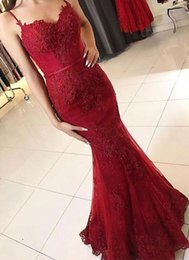 Red Evening Prom Party Dresses 2018 Modest Spaghetti Sweetheart Shiny Lace Applique Mermaid Button Back Evening Gown Cheap