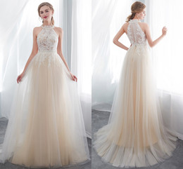 New Designer Champagne Halter Neck A Line Tulle Wedding Dresses Lace Appliqued Sleeveless Summer Beach Wedding Bridal Gowns CPS1011
