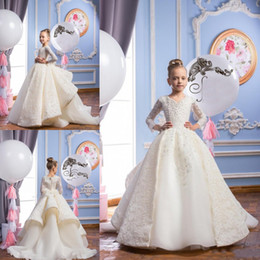 Newest 2019 Girls Pageant Dresses With Long Sleeves with Beaded Pearls First Communion Dresses V Neck Lace Ball Gown Flower Girls Dresses