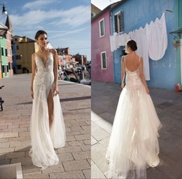 2018 Bohemian Wedding Dresses Deep V Neck Backless Sweep Train Sleeveless Applique Country Wedding Gowns Plus Size
