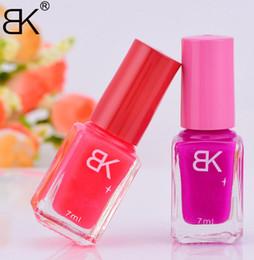 20 Candy Colors Nail Polish Glow in the Dark Nail Polish Fluorescent Nail Art Polish Enamel Cheap Price