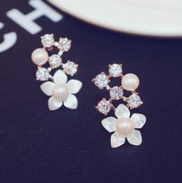 new style Korean Temperament Stud Earrings Shell zircon pearl Flower earrings for women jewelry fashion accessories