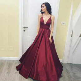 Sexy Burgundy Simple Prom Dress Spaghetti Straps Deep V Neck A Line Party Gown Backless Zip Formal Evening Dress