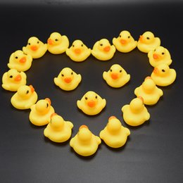Baby Bath Duck Toys Sound Mini Yellow Rubber Duck Bathtub Duckling Toys Children Swimming Beach Gift 3.5cm 1.4inch Birthday Party Summer