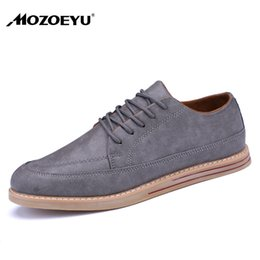 2018 Fashion Brand Men Leather Shoes Lace-up Solid Men Casual Shoes British Style Oxfords Shoes Flat Mens Daily Leisure