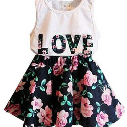 Free Shipping 2017 Summer flower girl dresses set Children's dresses Love Letters Flowers Sleeveless Vest + Flower two parts