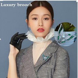 44*30 mm High-end crystal butterfly brooches are decorated with high-end inlaid brooches