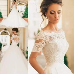 Vintage Appliqued Lace A Line Wedding Dresses 2020 Bateau Short Sleeves Boho Beach Bridal Gowns Custom Tulle Bride Dress Vestido De Novia