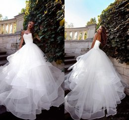New Autumn Strapless vestido de novia White Wedding Dresses Ruched Tulle Sweep Train Corset Lace-Up Back Simple Bridal Gowns