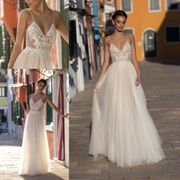 2018 New Arrival Sexy Garden Beach Wedding Dresses Sleeveless Spaghetti Straps Robe De Soiree Backless Long Boho Bridal Gowns