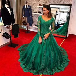 robes de soirée Elegant Emerald Green Evening Dresses 2019 Long Sleeve Ball Gown Lace Applique Beaded Plus Size Prom Gowns Court Train