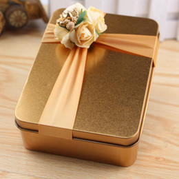 New Hot Selling Metal Candy Boxes Square with Floras Bow Gold Wedding Beautiful Favor Box Gift Box for Guest wedding Supplies Favors