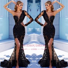 One SHoulder Long Sleeves Black Lace Cheap Prom Dresses 2018 Vintage Mermaid See Through Slit Side High Long Evening Dress BA9571