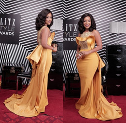 Plus Size Sexy Gold Mermaid Prom Dresses African Scoop Neck Crystal Beaded Satin Celebrity Dresses Women Evening Gowns