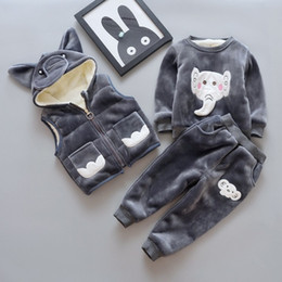 The boy winter three piece cashmere sweater with thickened small baby boy suit tide