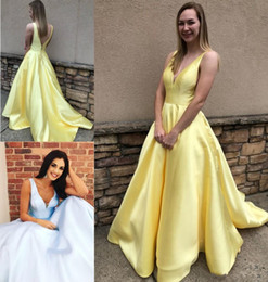 Elegant Backless Long Evening Dresses Party Prom Dress Sleeveless Deep V Neck Evening Gowns Plunging Neck 8th grade graduation dresses